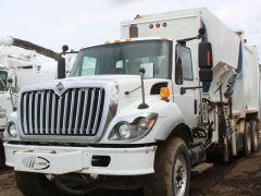 2008 International 7400 Garbage Truck