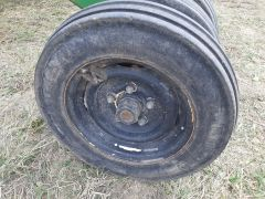 John Deere 1820 Air-Filled Packer Tire Gang Rims & Hubs