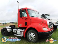 Good used 2004 Freightliner Columbia 112 single axle DayCab truck for sale at Combine World in Saskatoon, SK 264,982 kms, Cat C11, 10spd.