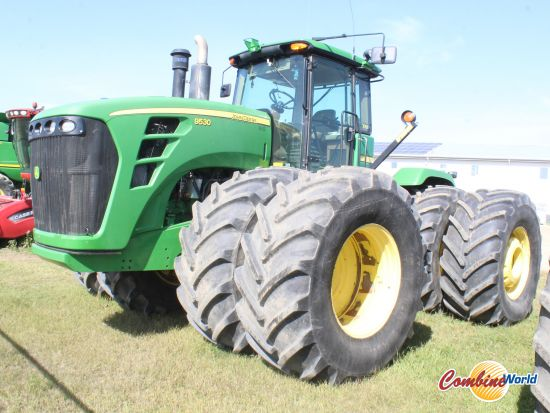JohnDeere 9530 4WD tractorfor sale. 7900 hrs, 475 HP, p/s, 18 fwd/6 rev, 4 hyds, front & rear duals, nice tires, very good cond.